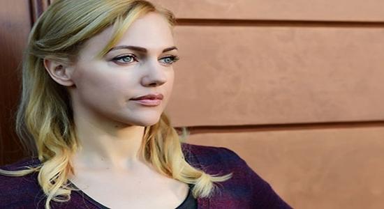 بعد سلسلة من الفشل المهني و العاطفي .. النجمة التركية مريم أوزرلي تفاجئ الجميع بقرار اعتزالها