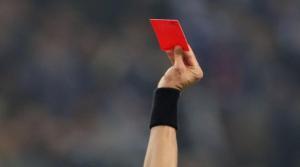 أحدهما يضم لاعبين سوريين .. صحيفة تنتقد اعمال الشغب والعنصرية التي حدثت مؤخراً بين فريقين في مباراة كرة قدم