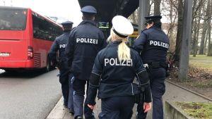 ألمانيا : الشرطة تبحث عن شهود عيان على حادثة اعتداء رجل على امرأة محجبة في قطار