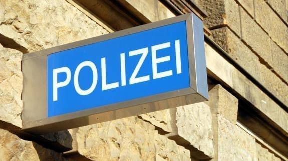 ألمانيا : مجهولون يلطخون بالطلاء مبنى يضم مكتبًا لحزب البديل اليميني